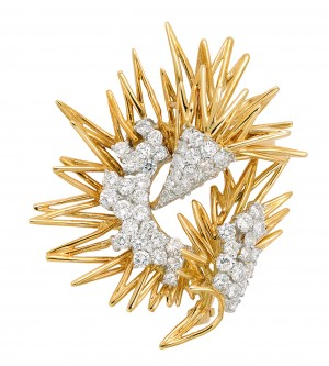 18-karat gold and diamond zigzag wire brooch  by Kutchinsky.