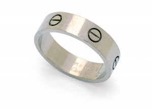18-karat white gold ring with screw motifs from Cartier's iconic 'LOVE' series.