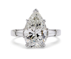 Pear-shaped diamond ring, 4.06 carats, H/VVS1 (GIA-certified)