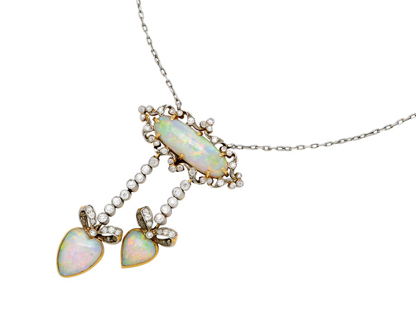 Belle Époque negligée pendant necklace with crystal opal and diamonds set in platinum. From Tiffany & Co., circa 1900